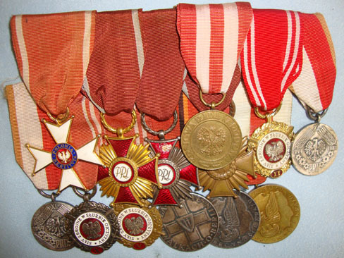 WW2 Era Polish Soldier's 13 Medal Group Mounted For Wear.  Accessories