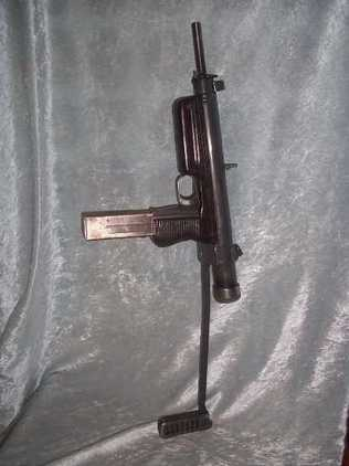 1952 CZ 25 (VZ 48b) Submachine Gun with 3 Spare Magazines in Pouch New Spec  Other Military Guns