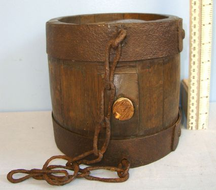 C1750 British Royal Navy Oak Black Powder Keg With Carry Chain & Cork Stopper. C1750 British Royal Navy Oak Black Powder Keg With Carry Chain & Cork Stopper. Accessories