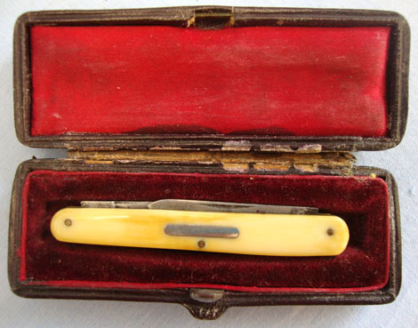 Victorian Cased Pocket Knife Made In Sheffield With Two Blades  Blades