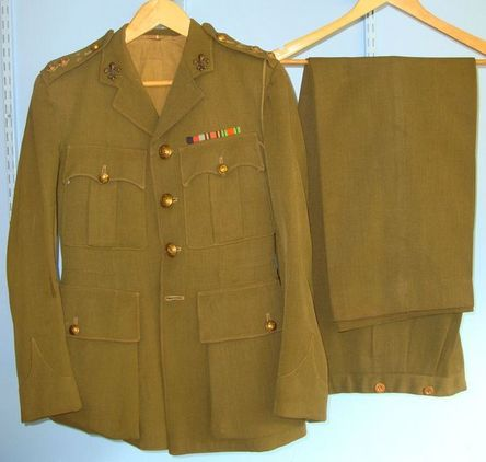 Moss Bros London Manchester Regiment Officer's Uniform Khaki Service Jacket With WW2 Campaign Med Accessories
