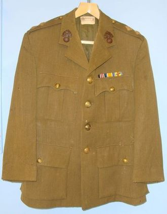 Gieves Ltd. 1918 British Officer's Uniform Khaki Jacket By Gieves Ltd To 2nd Lie 1918 British Officer's Uniform Khaki Jacket By Gieves Ltd To 2nd Lieutenant D.E. Accessories