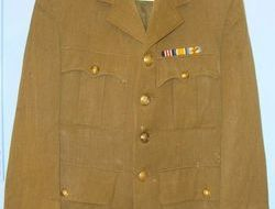 Gieves Ltd. 1918 British Officer's Uniform Khaki Jacket By Gieves Ltd To 2nd Lie 1918 British Officer's Uniform Khaki Jacket By Gieves Ltd To 2nd Lieutenant D.E.