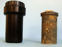 WW2 German ELAZ 25 B Aircraft Bomb Fuse In Original Bakelite Container WW2 German ELAZ 25 B Aircraft Bomb Fuse In Original Bakelite Container