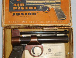 Webley / Webley & Scott Junior .177 Calibre Air Pistol With Original 1965 Dated Illustrated Instruction  .177  Air Pistols