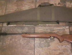HW95 Luxus. 22 Air Rifles
