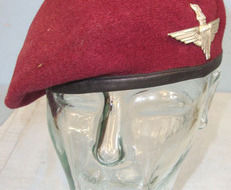 Parachute Regiment Red Beret With Kings Crown Para Cap Badge To Para Parachute Regiment Red Beret With Kings Crown Para Cap Badge To Para