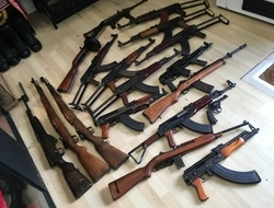 AK 47 Machine Guns
