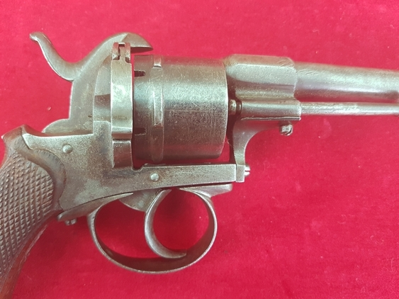 A Belgian 6 shot double action 10 mm antique pin-fire revolver. Circa 1865. Ref 9421. Pistol / Hand Guns