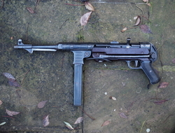 Steyr MP40 9 mm Submachine Guns