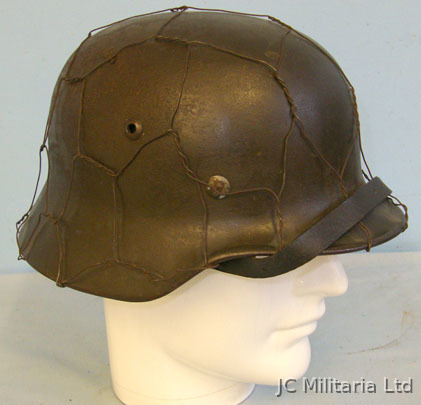 Nazi German Army M40 Camouflage Combat Helmet By 'EF' (Emailliwerk AG Fulda) Wit M40 Camouflage Combat Helmet By 'EF' (Emailliwerk AG Fulda) With Original Chicke Accessories