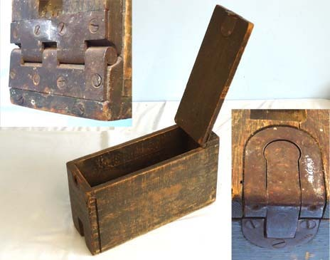 Wooden Ammunition Box (Chest 49-1-84) With Tripod Slot for the American .30 Cal. Rare American WW1 Wooden Ammunition Box (Chest 49-1-84) With Tripod Slot for the Accessories