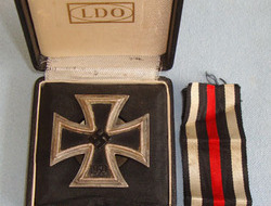1939 Iron Cross1st Class (Vaulted Screw Back Version) By L58 Rudolf Souval Vienn Original, Cased WW2 Nazi German 1939 Iron Cross1st Class (Vaulted Screw Back Ver