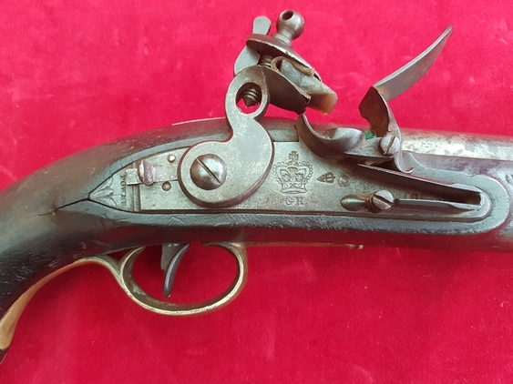 A Napoleonic period British military Tower flintlock cavalry pistol. Circa 1800. Ref 1613. Pistol / Hand Guns